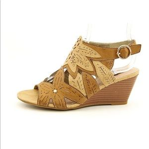 XOXO Sahara Wedge Sandals